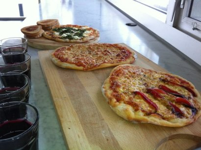 pizza lunch Would Air Canada Serve These Wines?