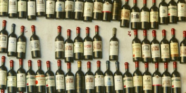 Bordeaux bottles are pictured in a shop in Saint Emilion outside of Bordeaux (photograph by Pascal Le Segretain, Getty Images).