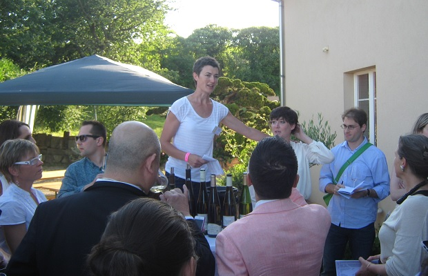 Mélanie Pfister introducing the wines for Divines d'Alsace