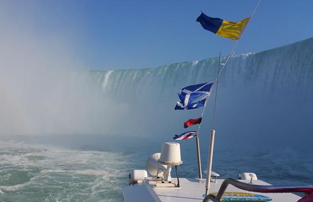Aboard the Hornblower approaching the Horseshoe Falls