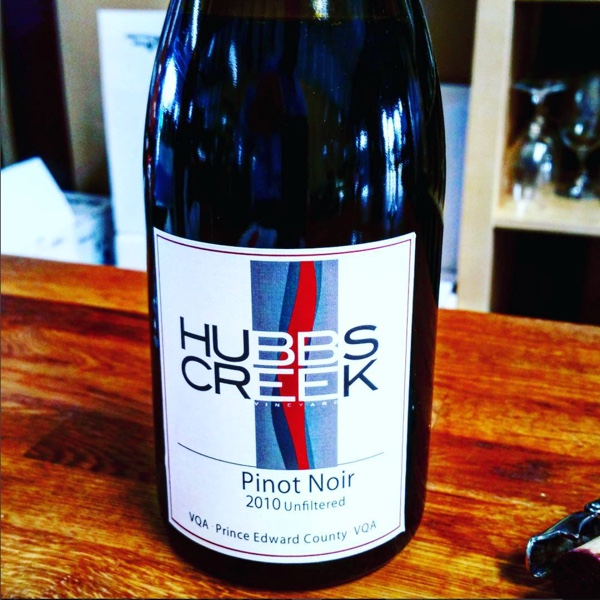 A library browse with Battista @HubbsCreek #sevenyears #PECwine