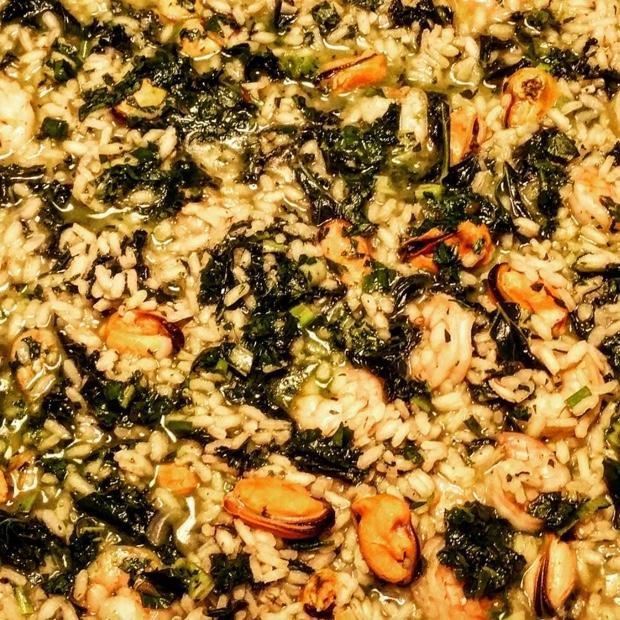 Shrimp, mussel, kale, salsa verde #jacksonpollock risotto