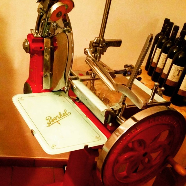 how-about-this-beauty-chefmolson-berkel-1912-slicingmachines