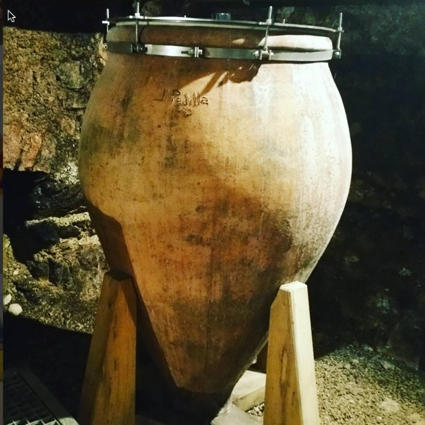 attention-thelivingvine-this-amphora-chablis-from-athenais-de-beru-chateau-de-beru