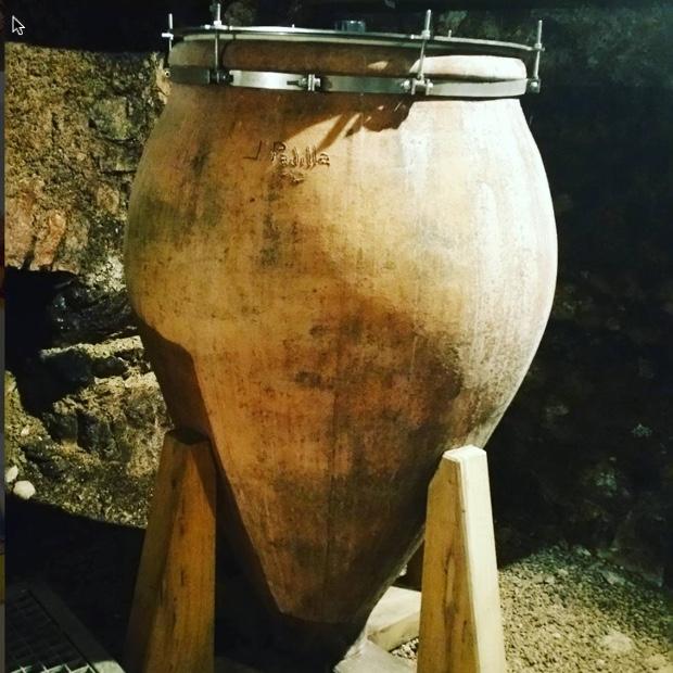 attention-thelivingvine-this-amphora-chablis-from-athenais-de-beru-chateau-de-beru