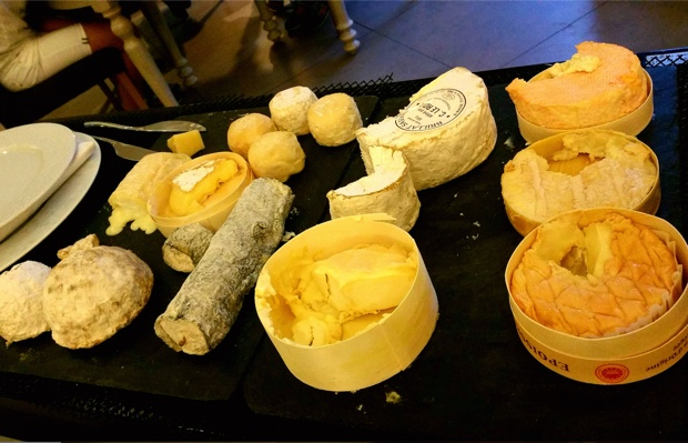 The fromages cart at Le Bourgogne, Auxerre
